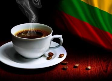 Vasario 16 - oji prie kavos puodelio