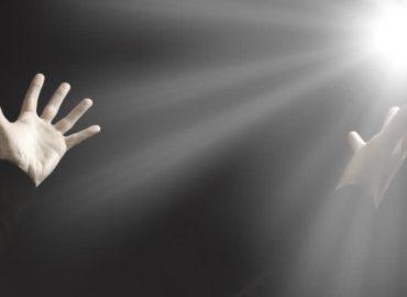 Kai sielą apninka sunkumai,.. o vis dėlto Dievas šypsosi mums